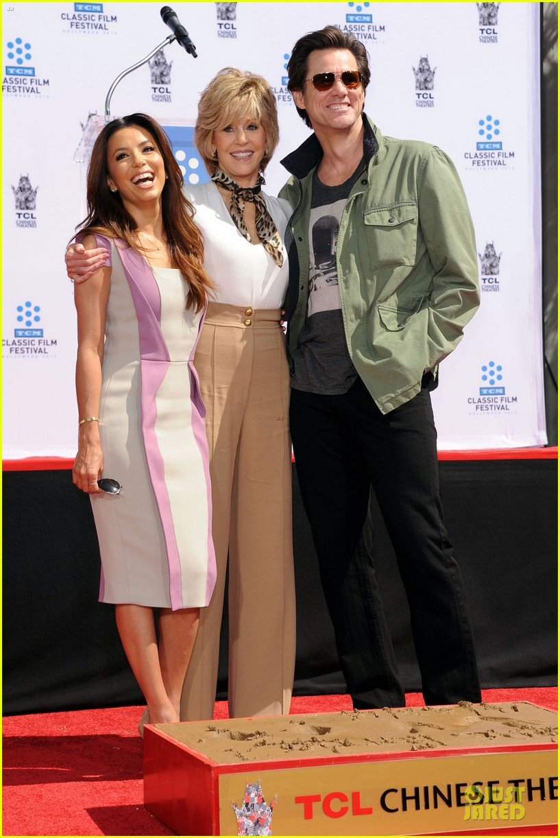 eva longoria jane fonda hollywood hand footprint ceremony 01