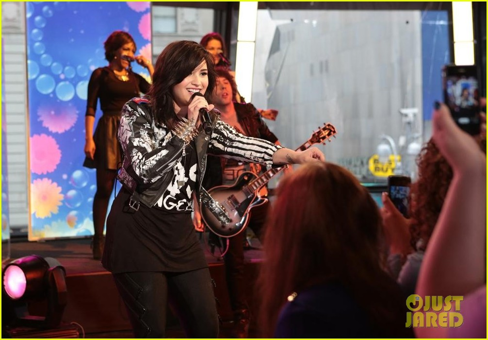 demi lovato heart attack on gma watch now 082846863