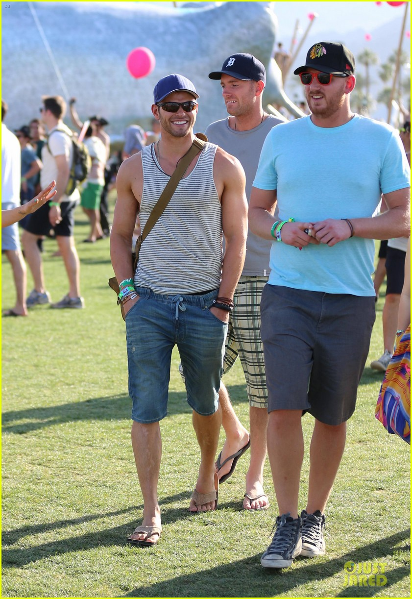 kellan lutz coachella music festival first day attendee 01