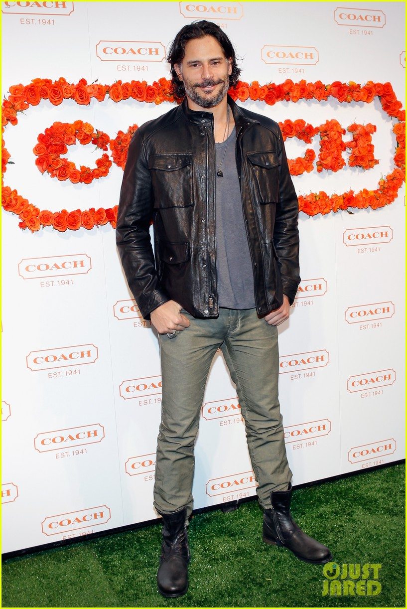joe manganiello coachs night of shopping with bridget peters 102847618