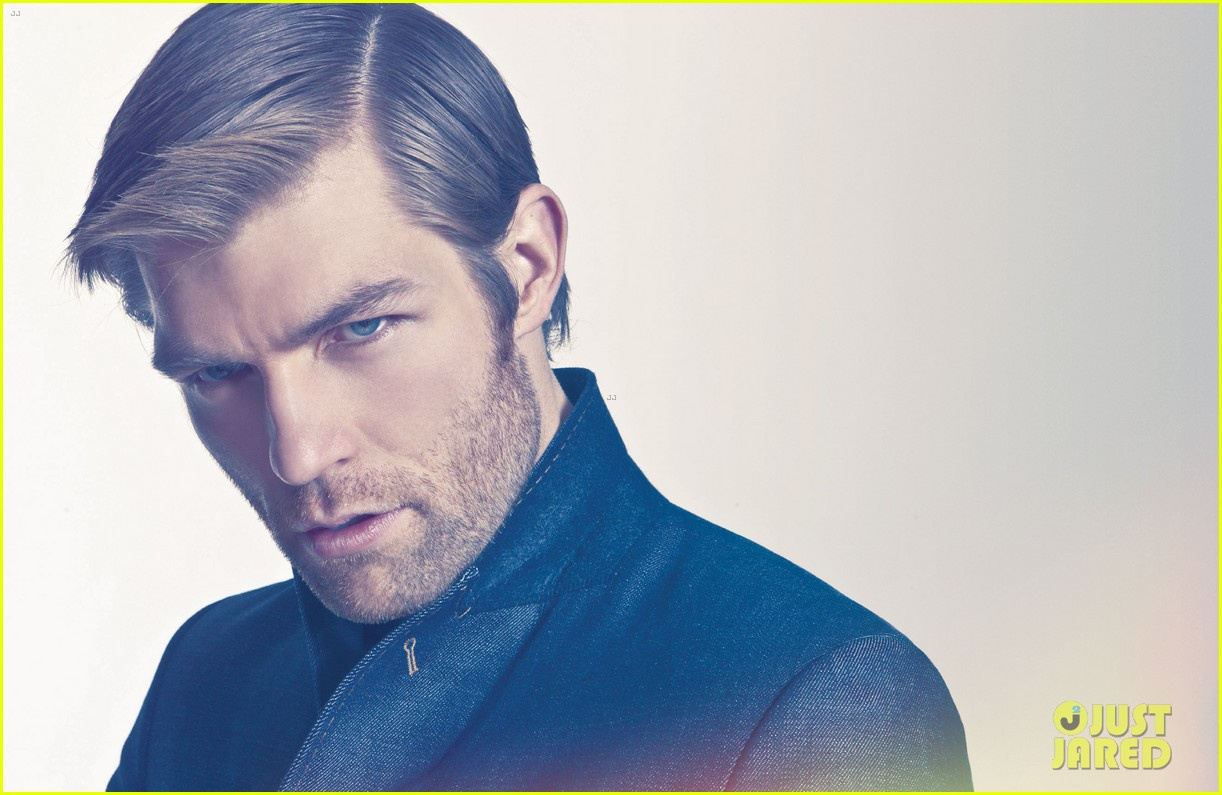 liam mcintyre suits up for da man magazine feature 05