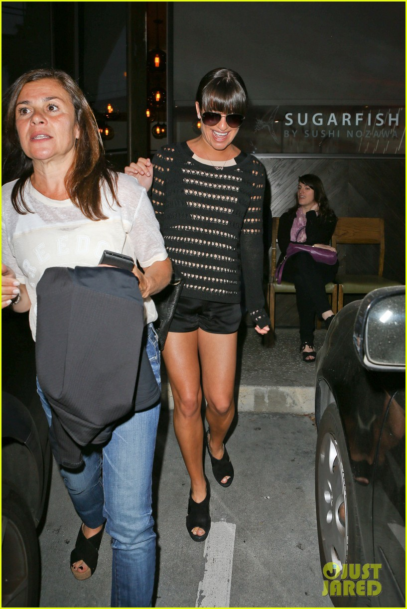 lea michele dinner with parents after jonathan groff hike 032848047