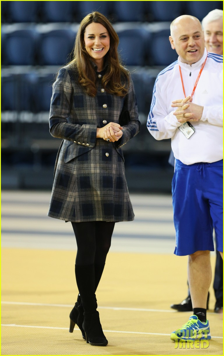 kate middleton pregnant emirates arena visit with prince william 072843110