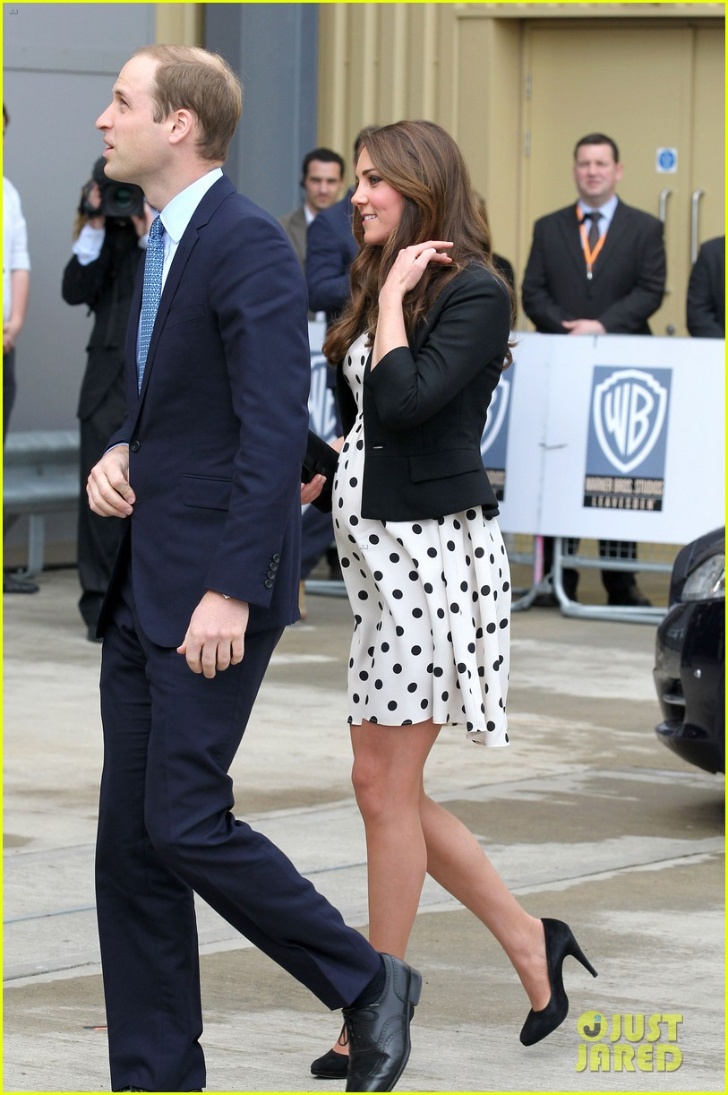 kate middleton pregnant warner bros studios visit with prince william 09