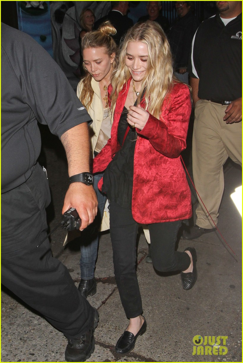 mary kate ashley olsen rolling stones concert 03