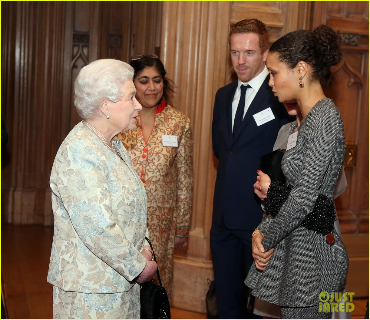 carey mulligan eddie redmayne meet queen at film reception 202843828