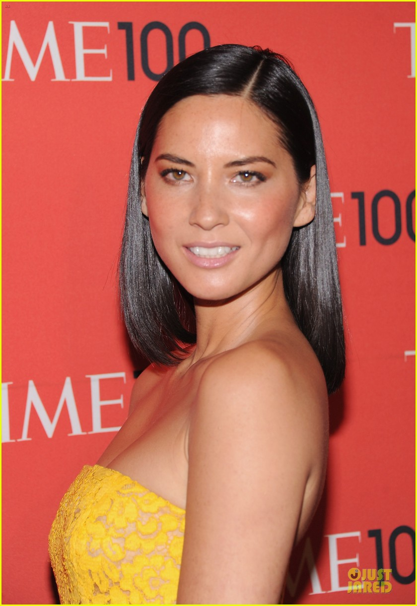 olivia munn amy poehler time 100 gala red carpet 022856917