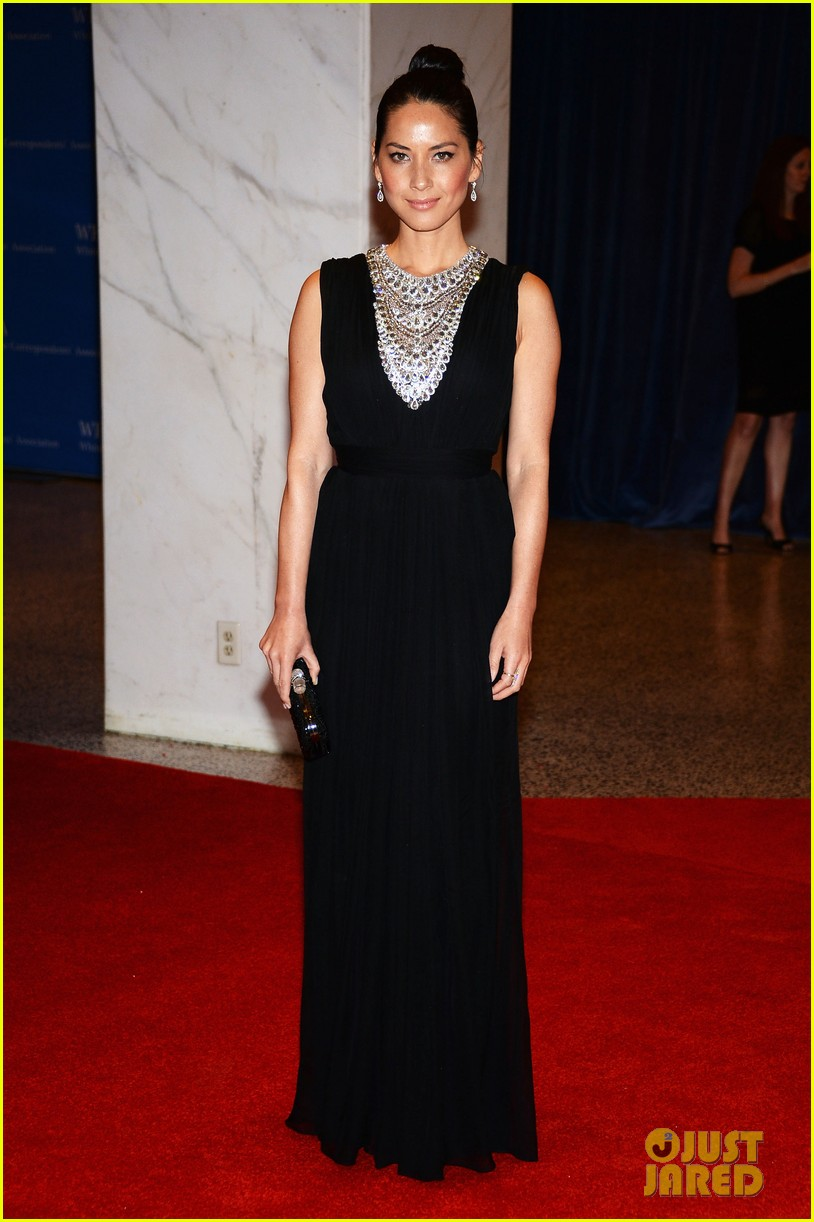 olivia munn megan hilty white house correspondents dinner 2013 01
