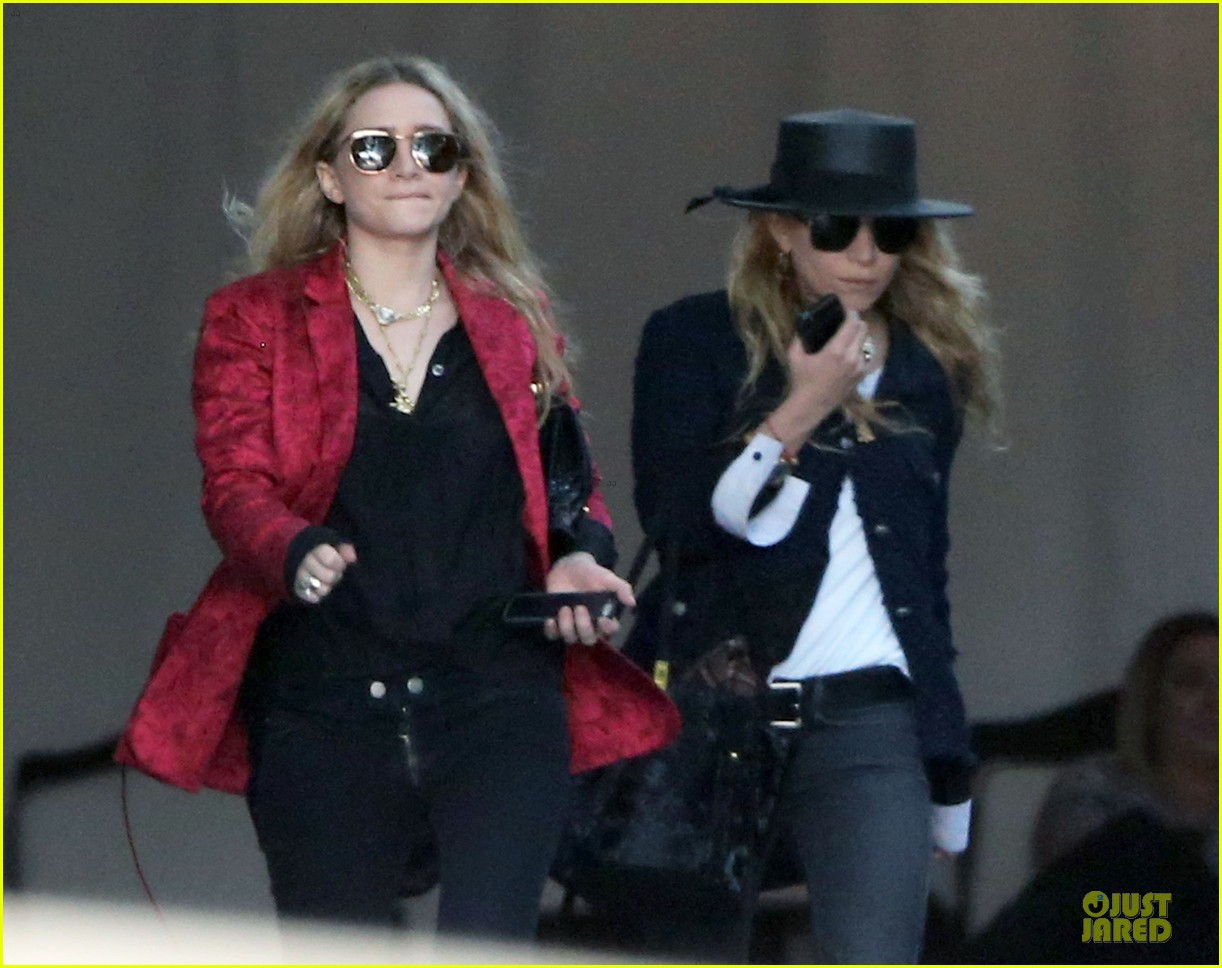 mary kate and ashley olsen chateau marmont hotel exit 03