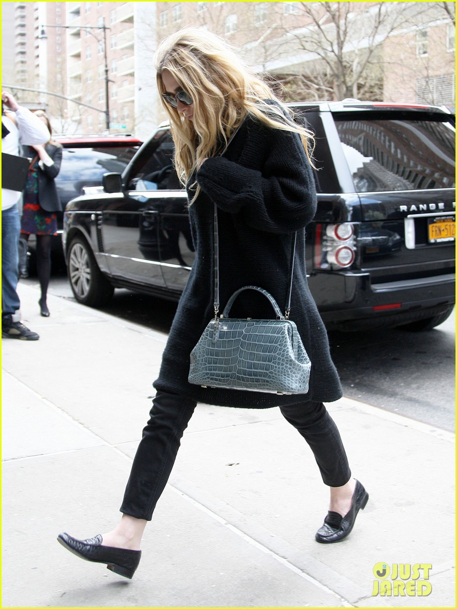 mary kate ashley olsen greenwich hotel visit 10
