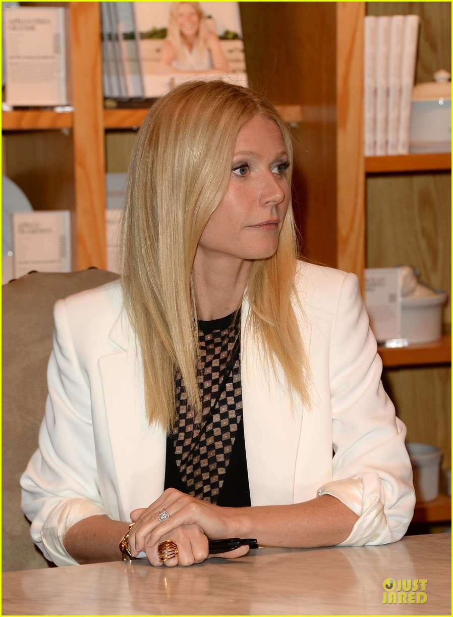 gwyneth paltrow my family came to book signing for the grove 11