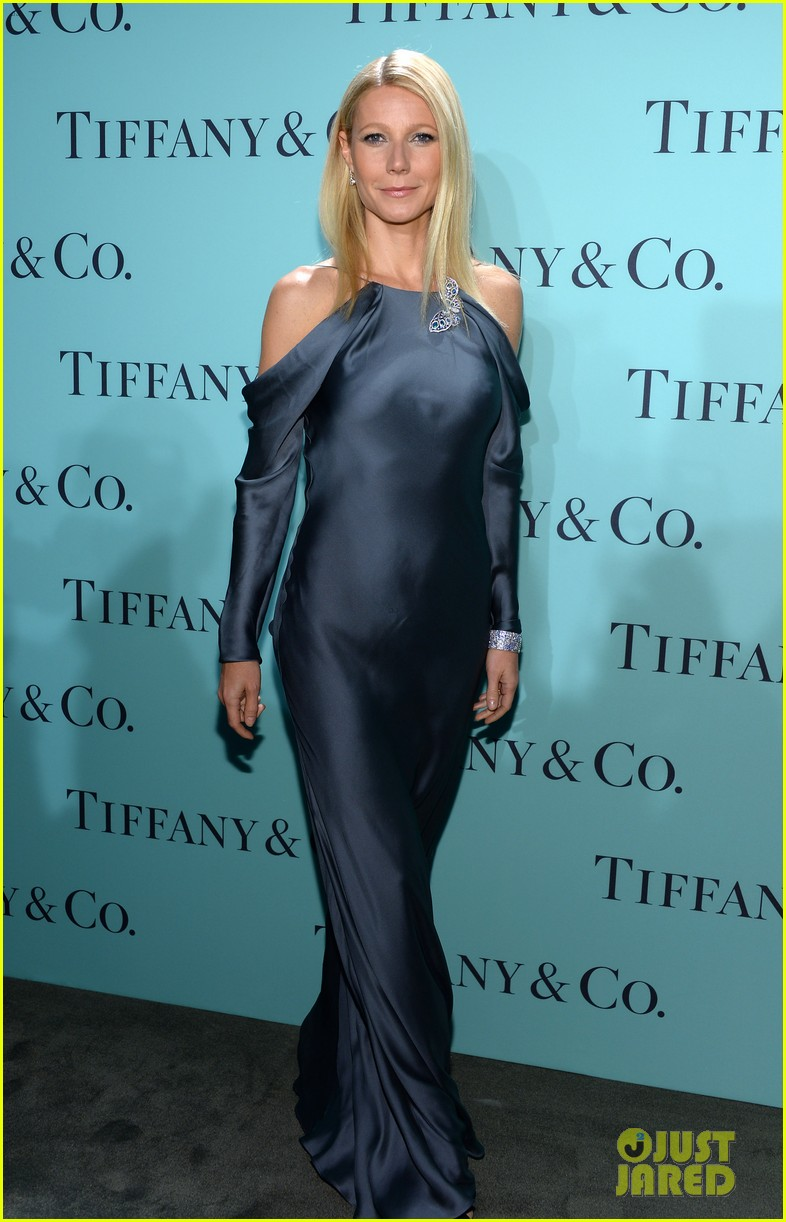 gwyneth paltrow sarah jessica parker tiffany blue book gala 062853038