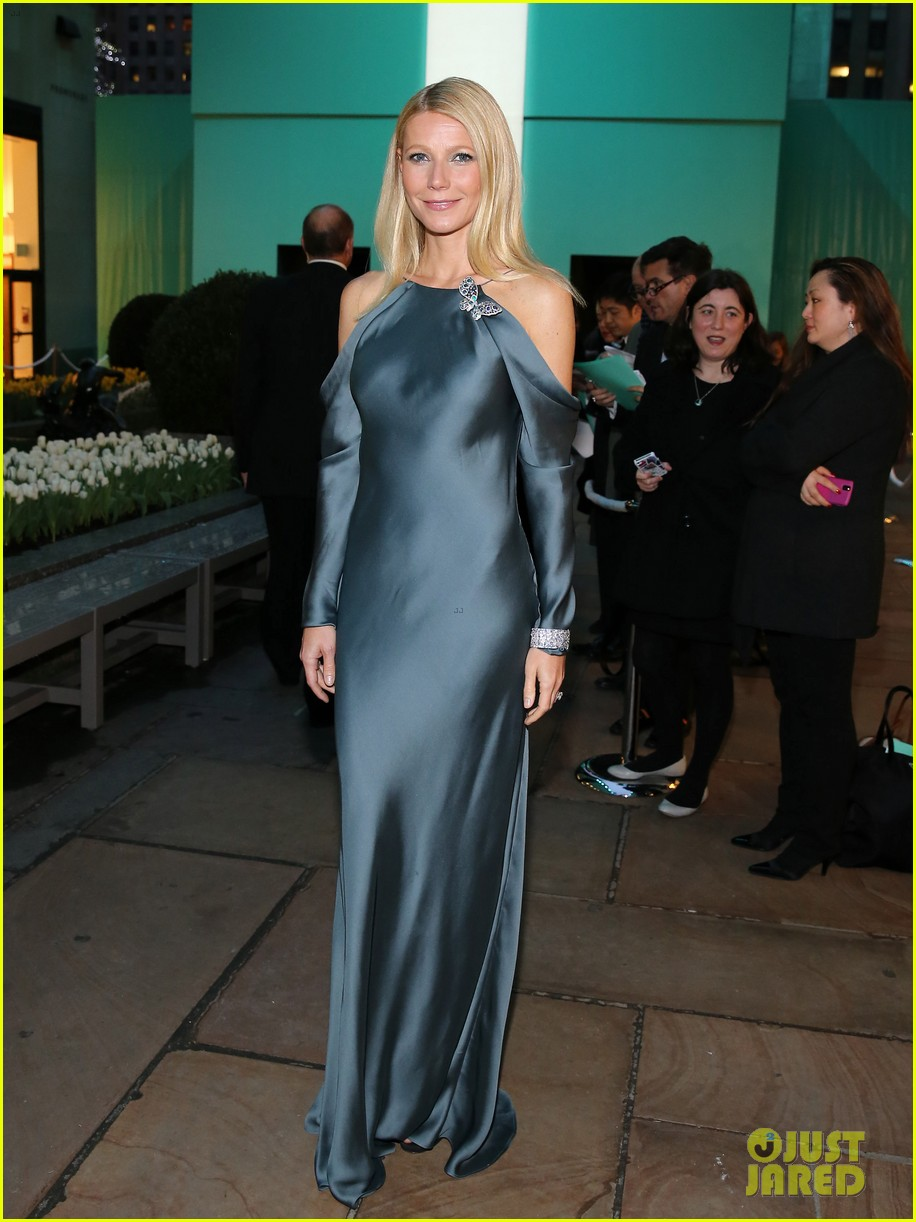 gwyneth paltrow sarah jessica parker tiffany blue book gala 182853050