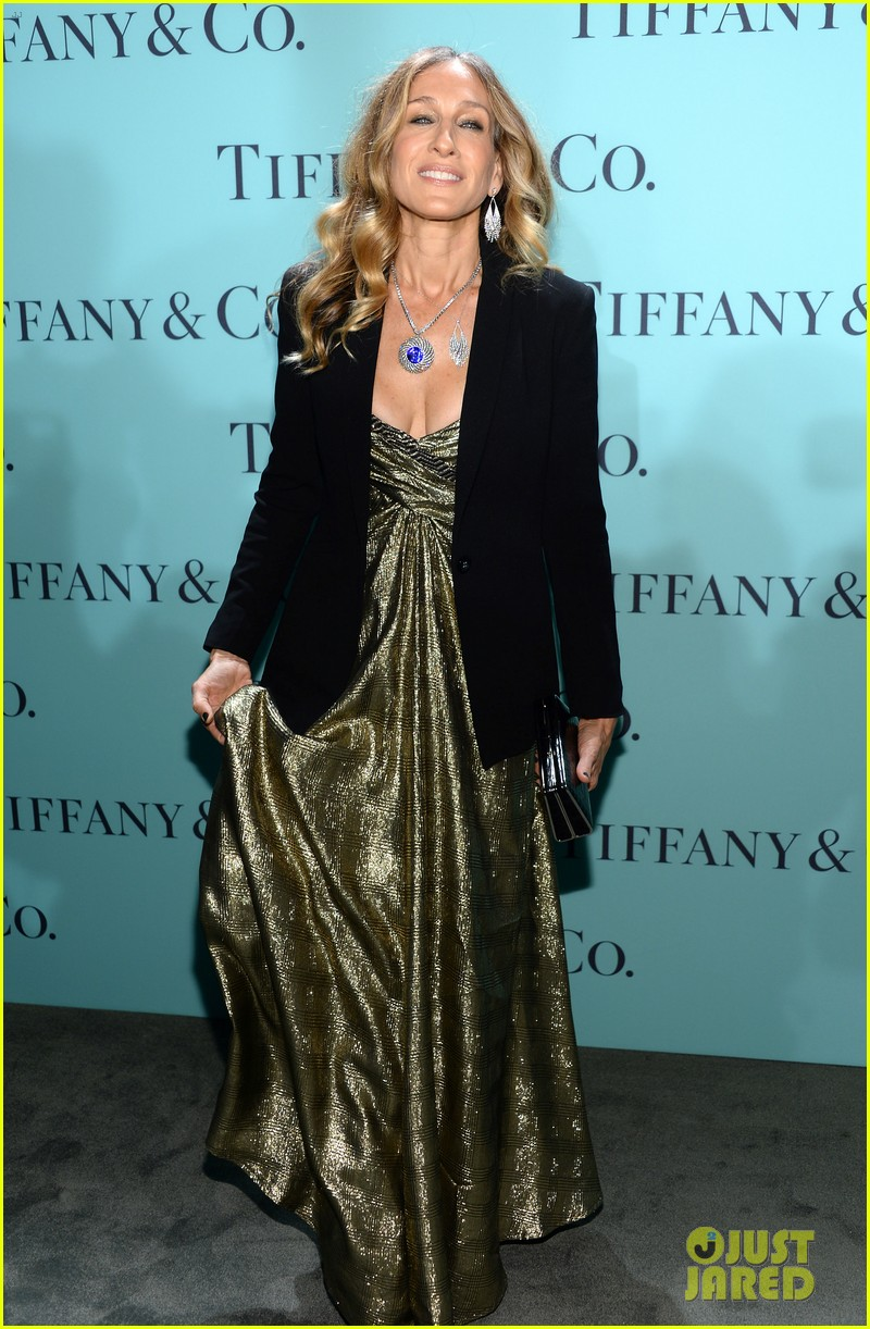 gwyneth paltrow sarah jessica parker tiffany blue book gala 202853052