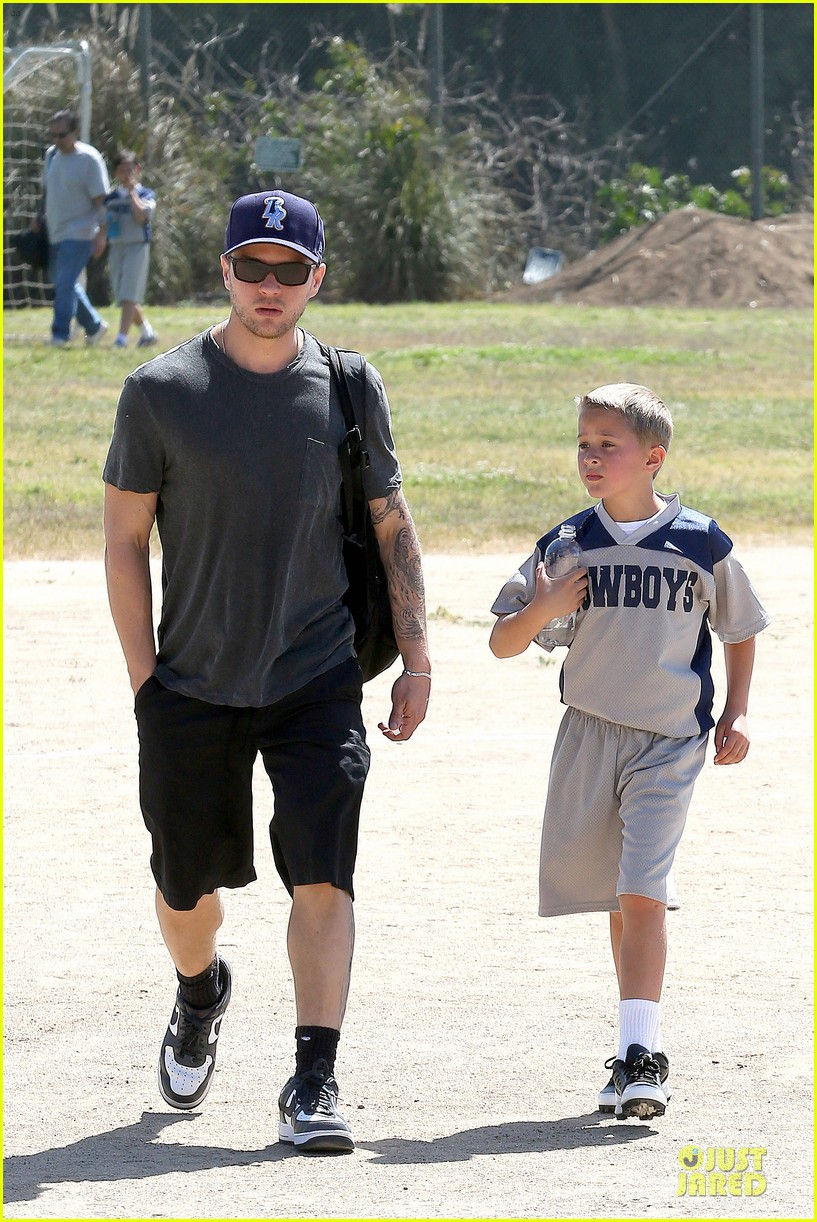 ryan phillippe deacon football game supporter 06