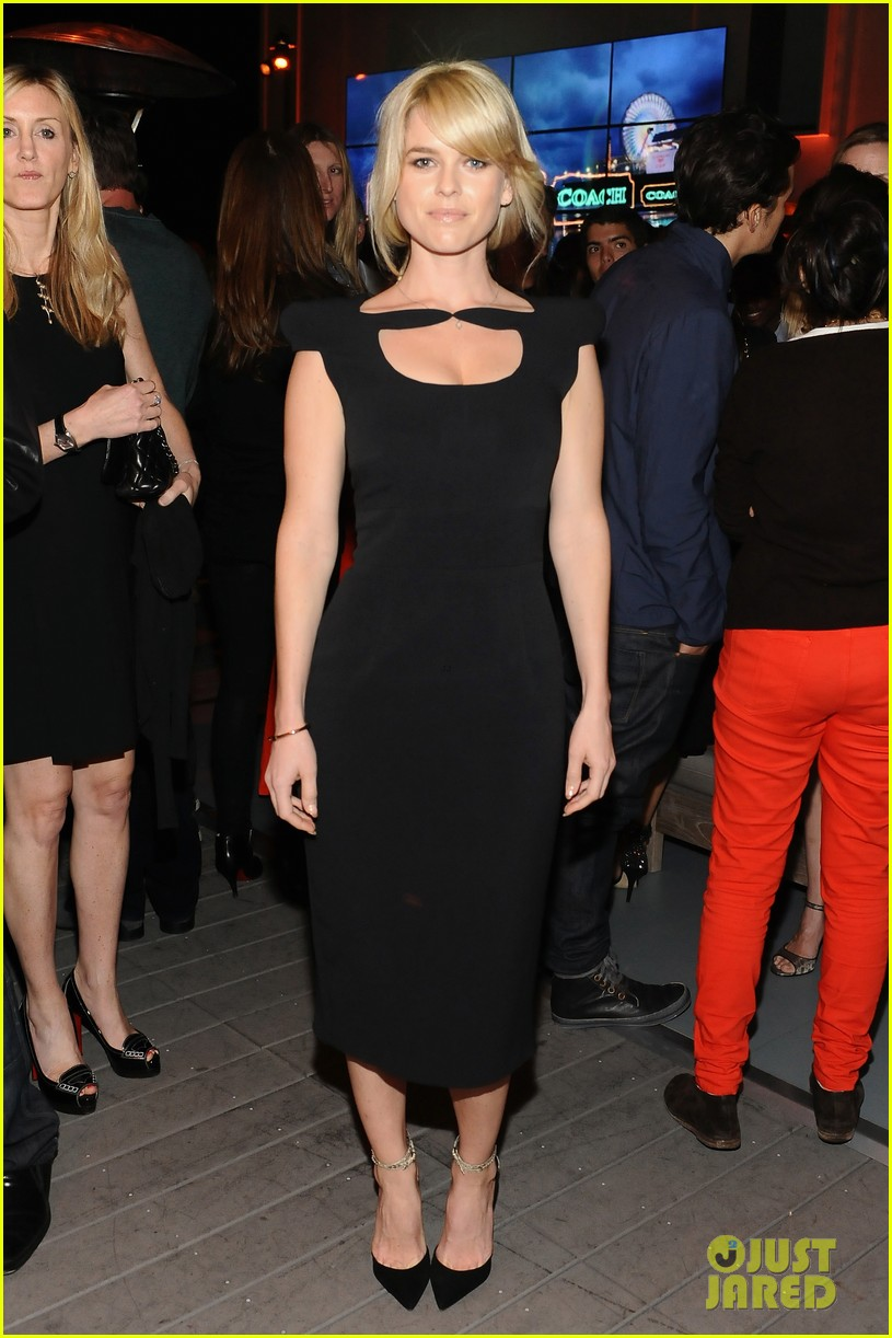 chris pine alice eve star trek at coach charity event 01