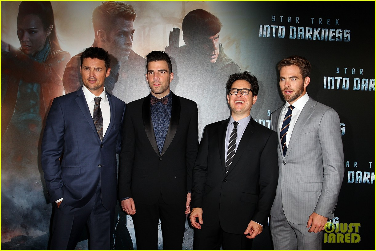 chris pine zachary quinto star trek sydney premiere 072856458