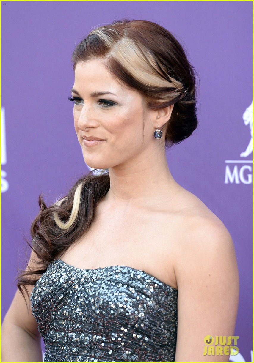 cassadee pope tori kelly acm awards 2013 red carpet 172845223