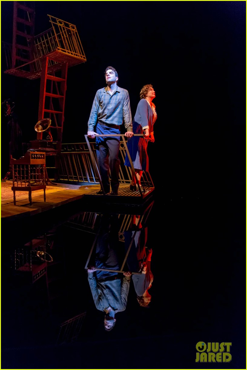 zachary quinto broadway debut in glass menagerie 032858087
