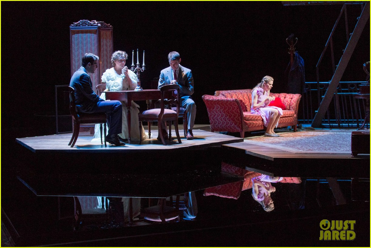 zachary quinto broadway debut in glass menagerie 06