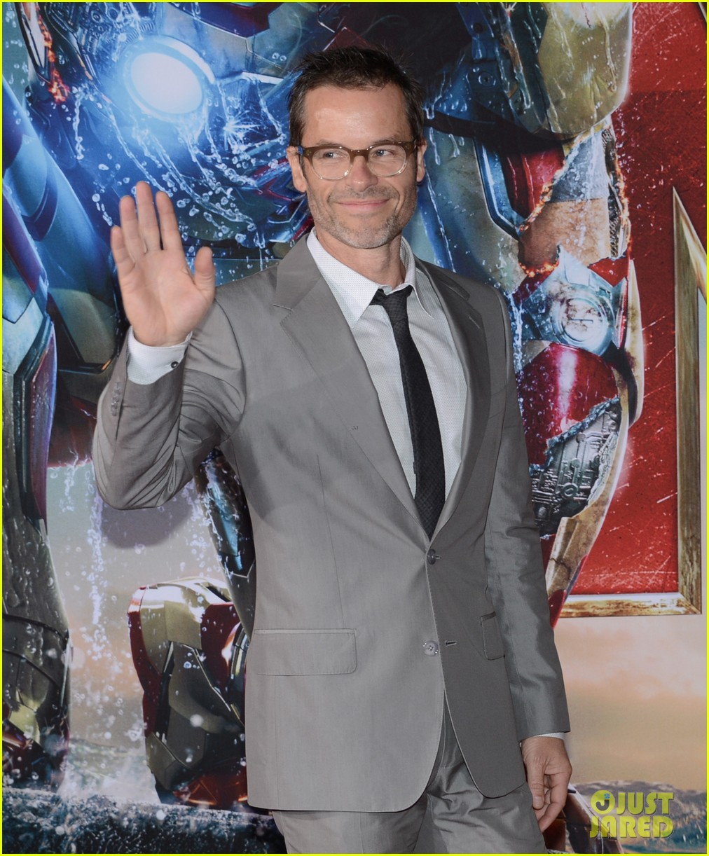 robert downey jr guy pearce iron man 3 premiere 032857568