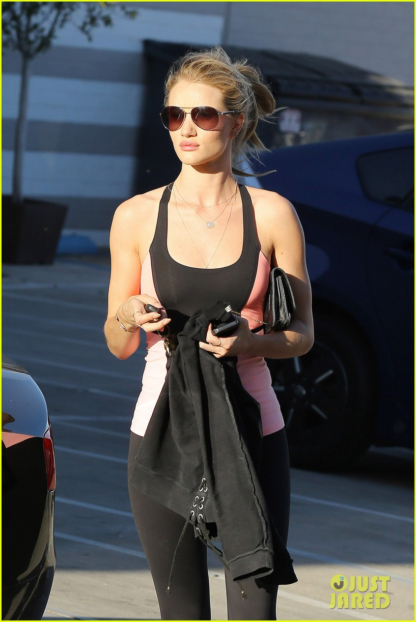 rosie huntington whiteley works out jason statham films heat 24