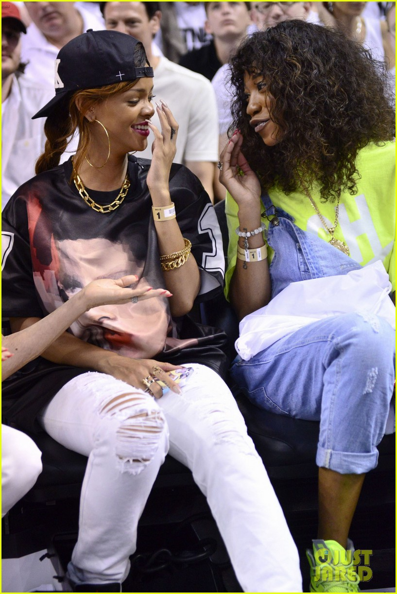 rihanna miami heat game night 052855483