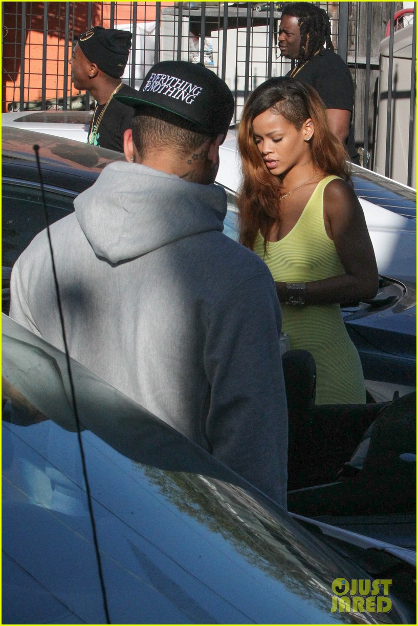 rihanna chris brown wild style shoppers 182847492