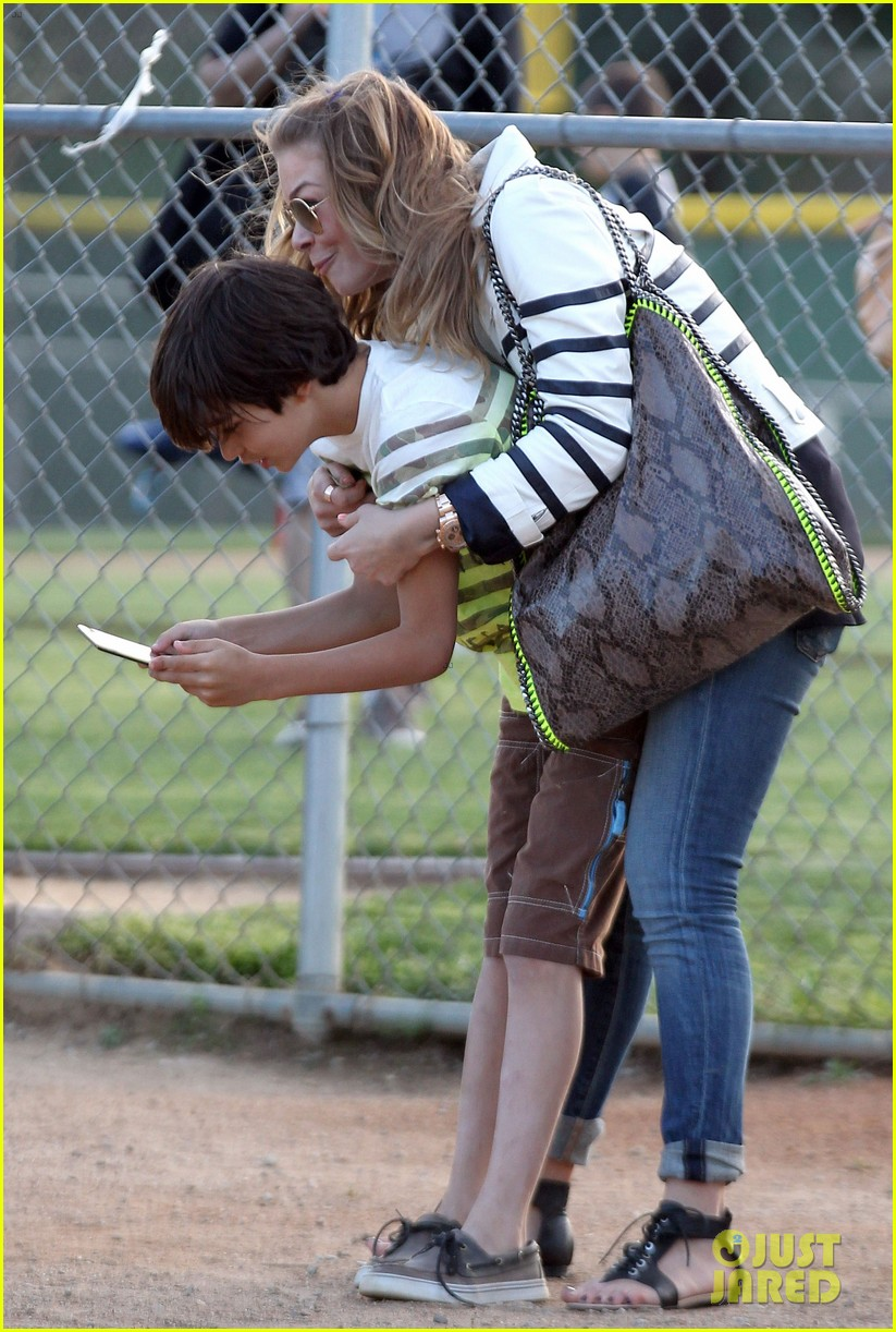 leann rimes jakes baseball game with mason 052843617
