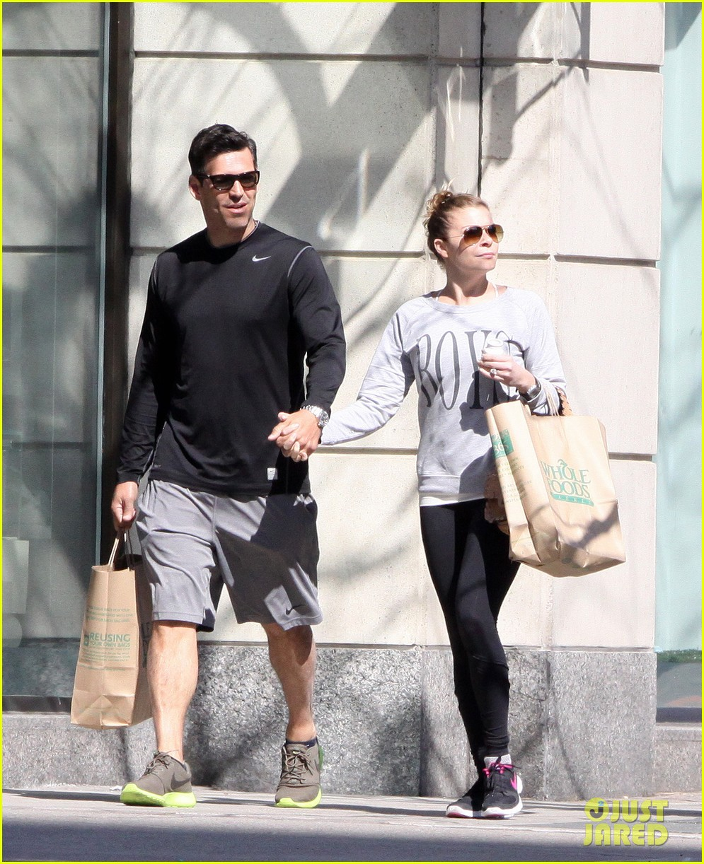 leann rimes eddie cibrian hold hands after shopping 09