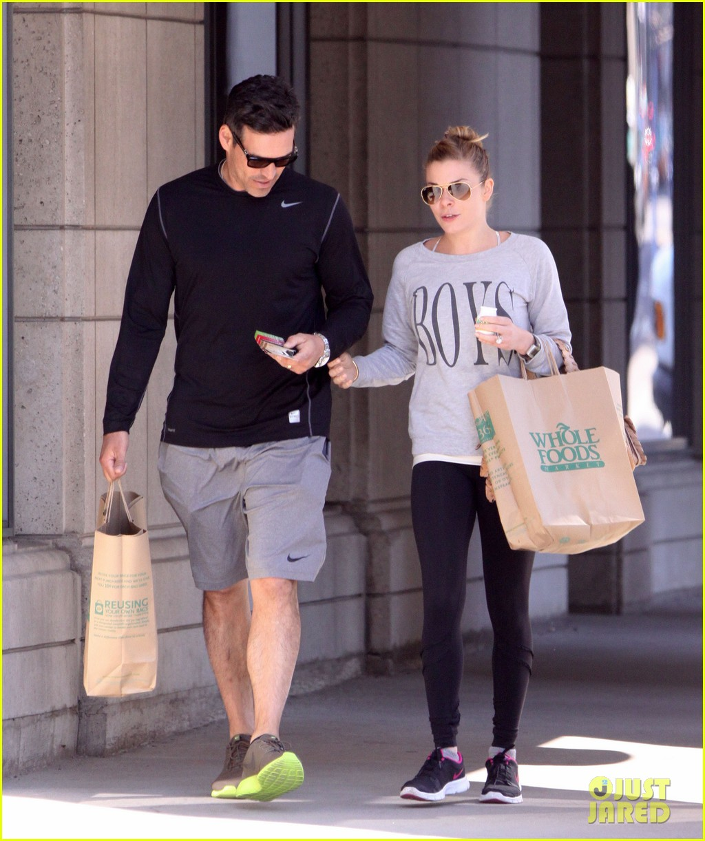 leann rimes eddie cibrian hold hands after shopping 13