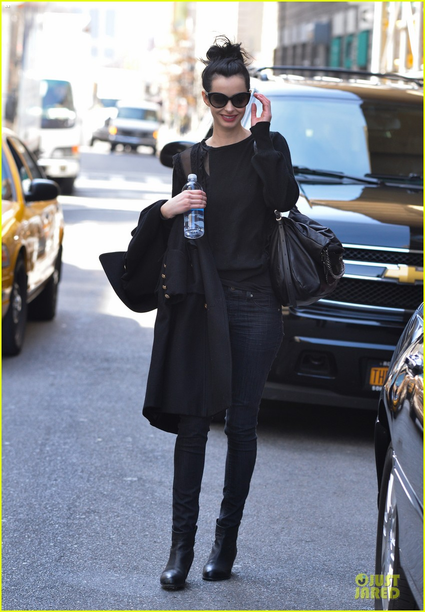 krysten ritter brilliant beautiful incredible gal raves assistance writer 032844391