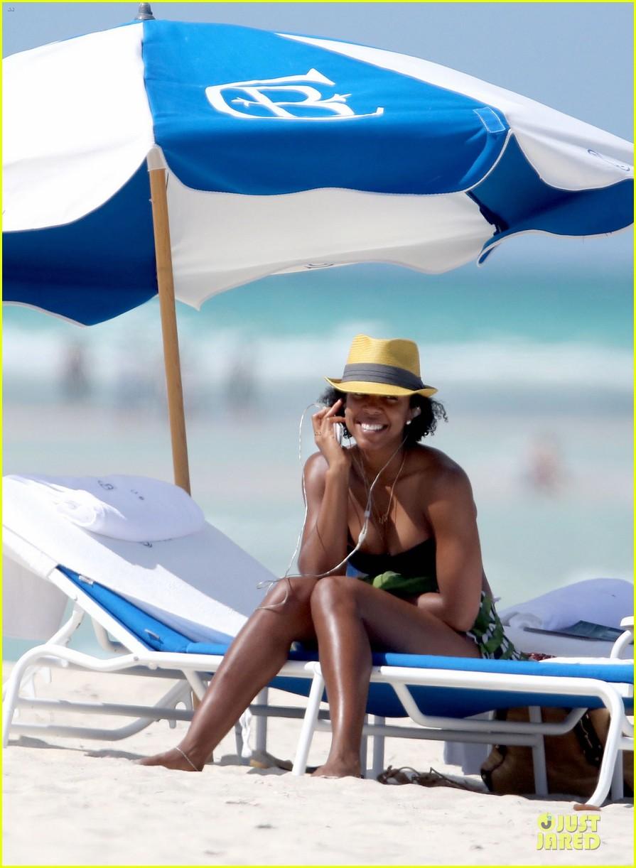 kelly rowland bikini beach calling babe 06