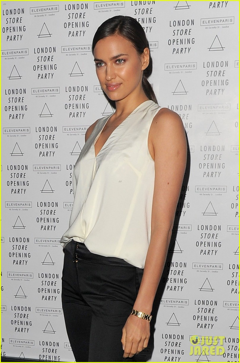 irina shayk white house correspondents dinner 2013 red carpet 142859494