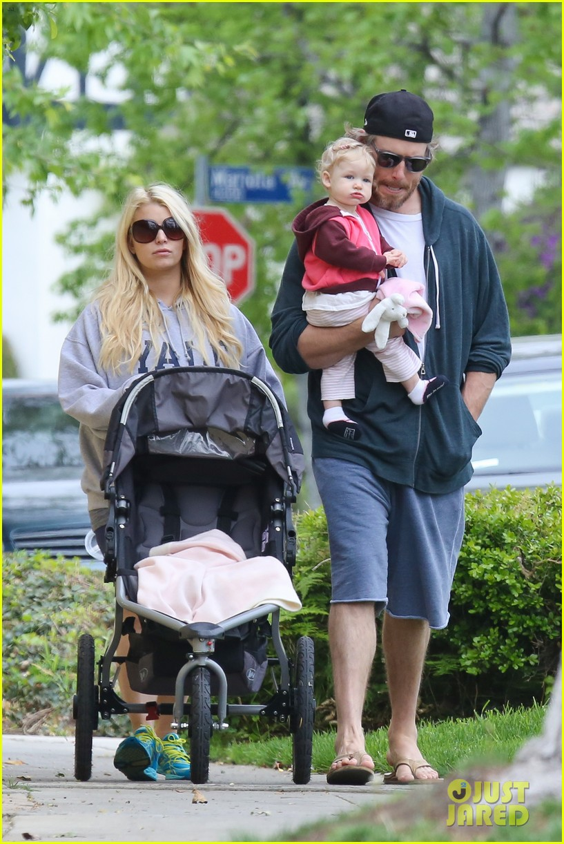 jessica simpson eric johnson eater outing with maxwell 01