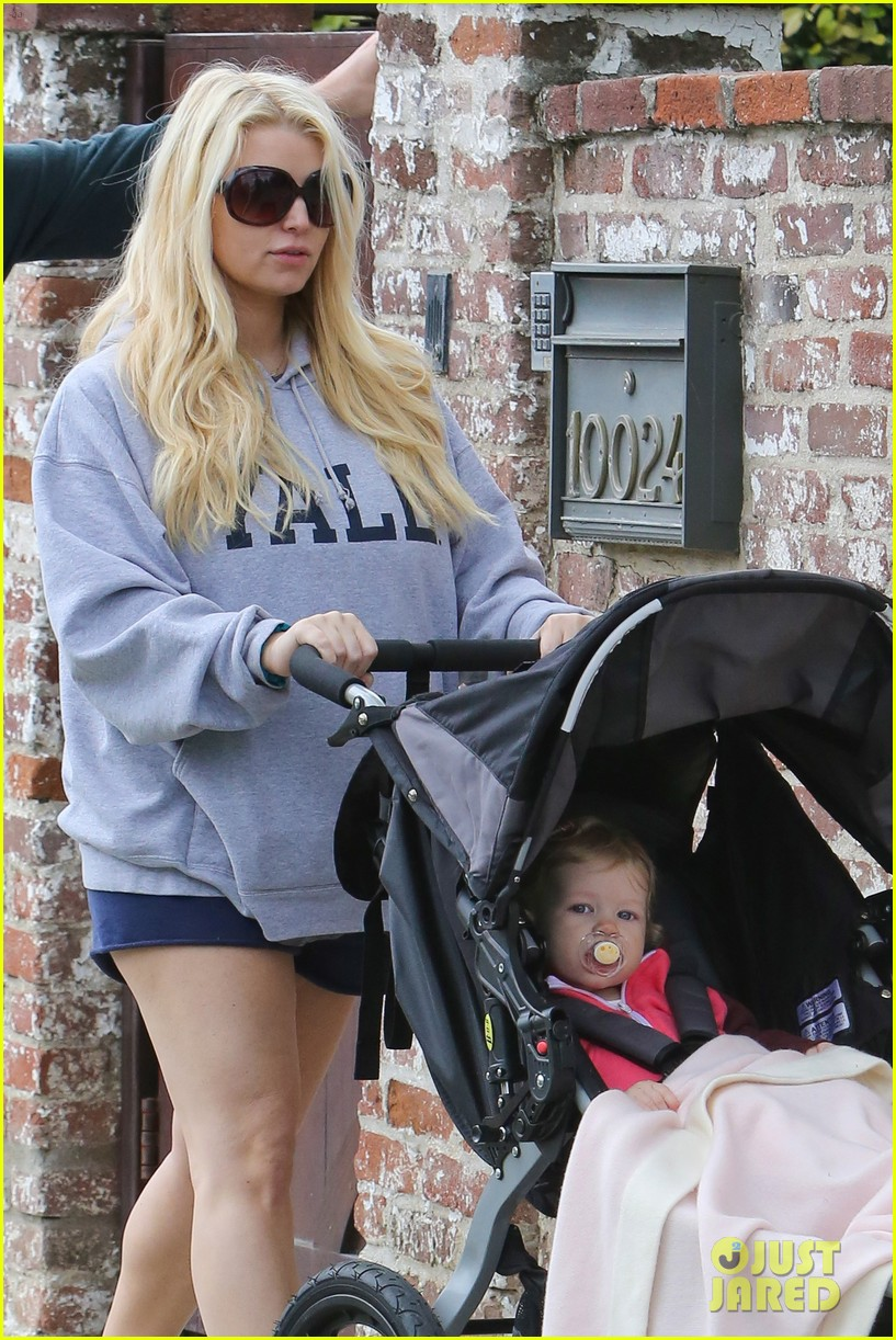 jessica simpson eric johnson eater outing with maxwell 02
