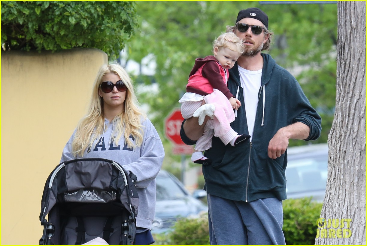 jessica simpson eric johnson eater outing with maxwell 23
