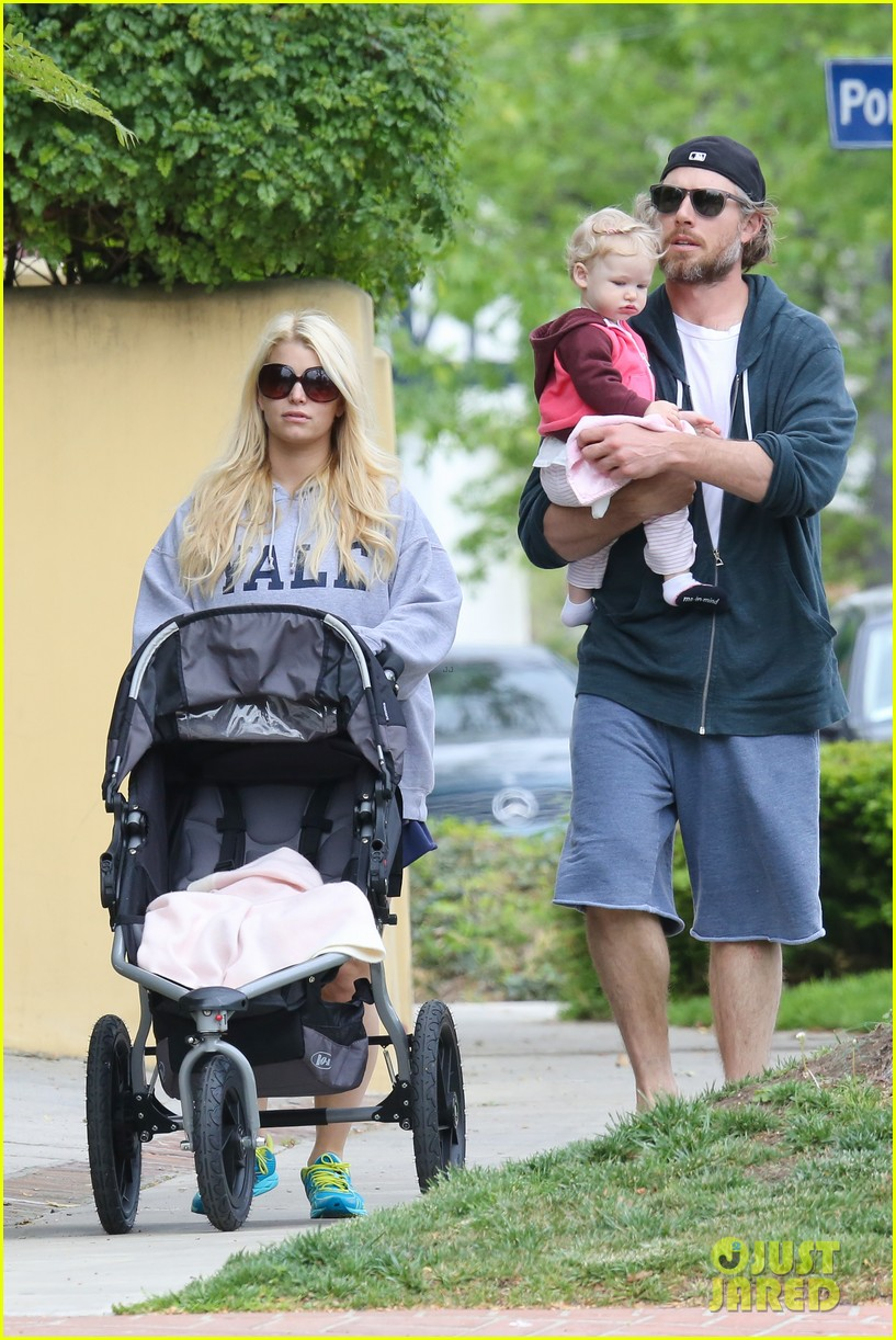 jessica simpson eric johnson eater outing with maxwell 242841241