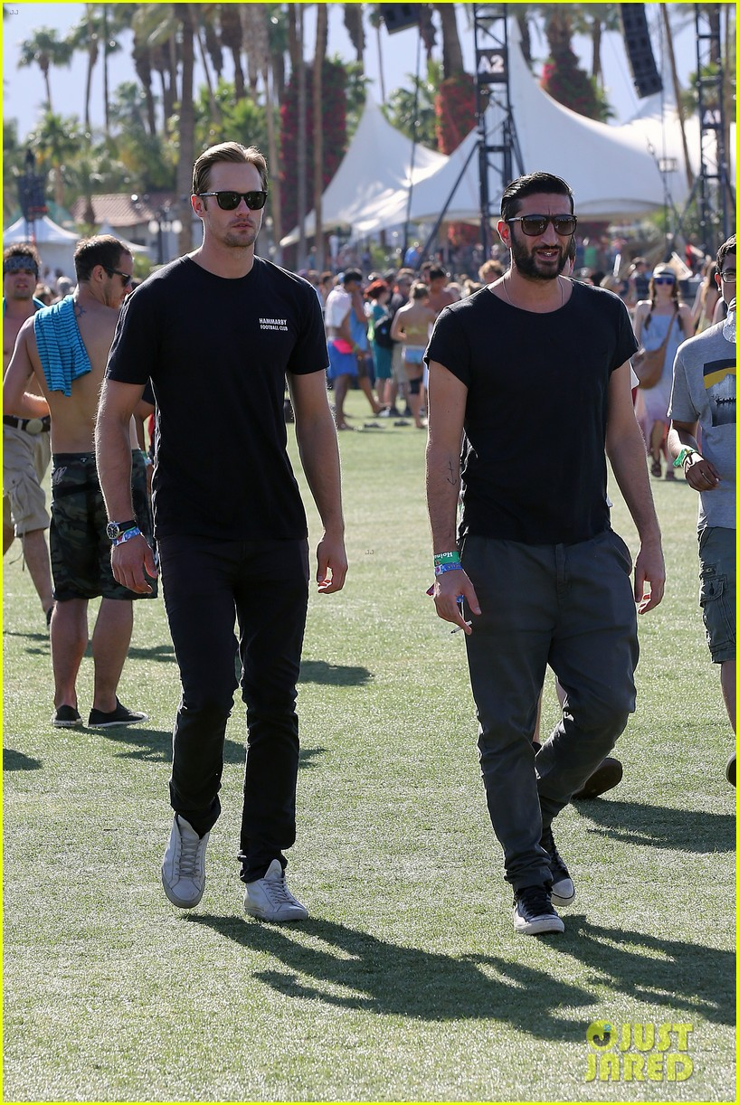 alexander skarsgard coachella with buddies keith fares 14