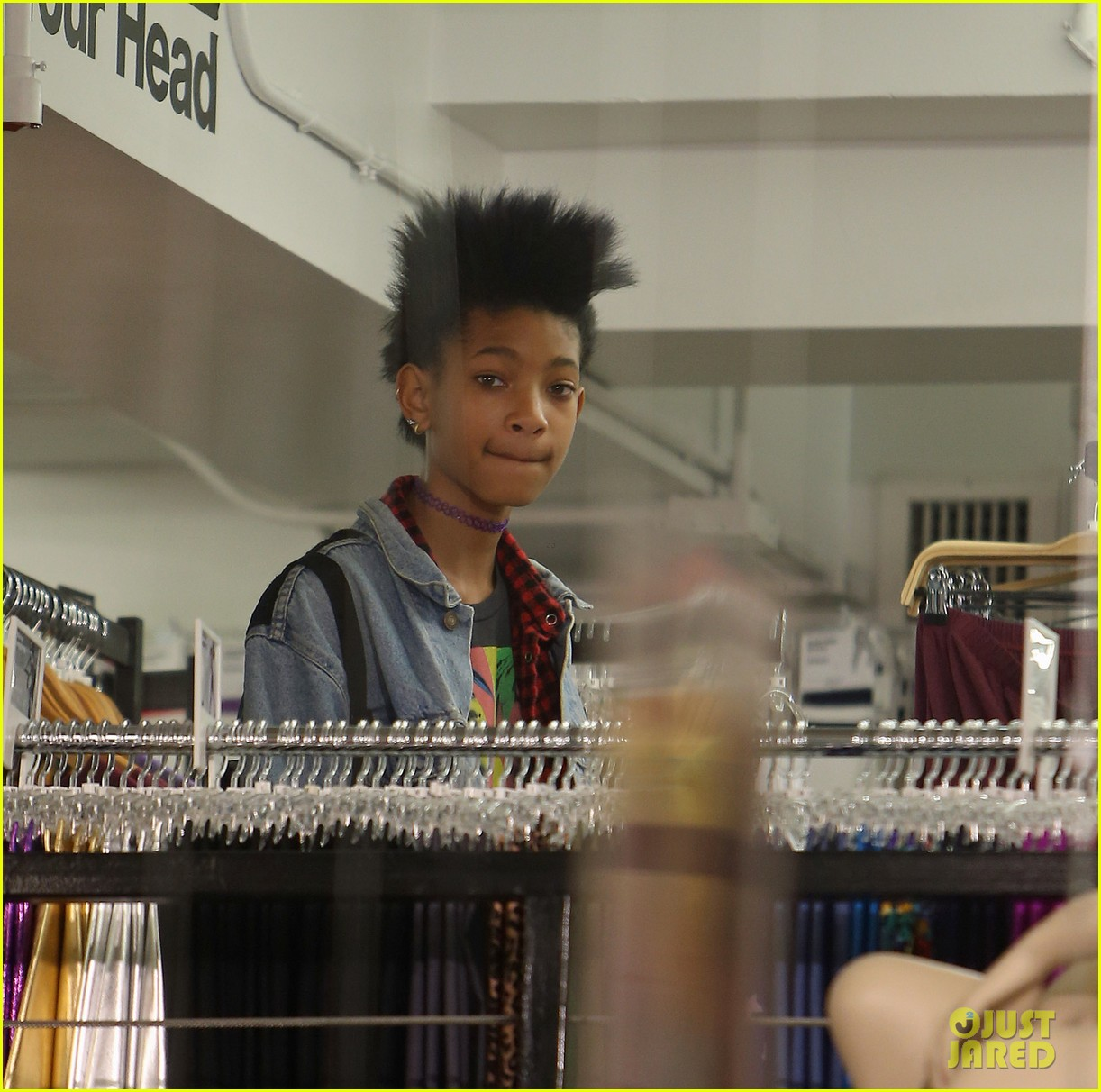 willow smith new york city shopping spree 03