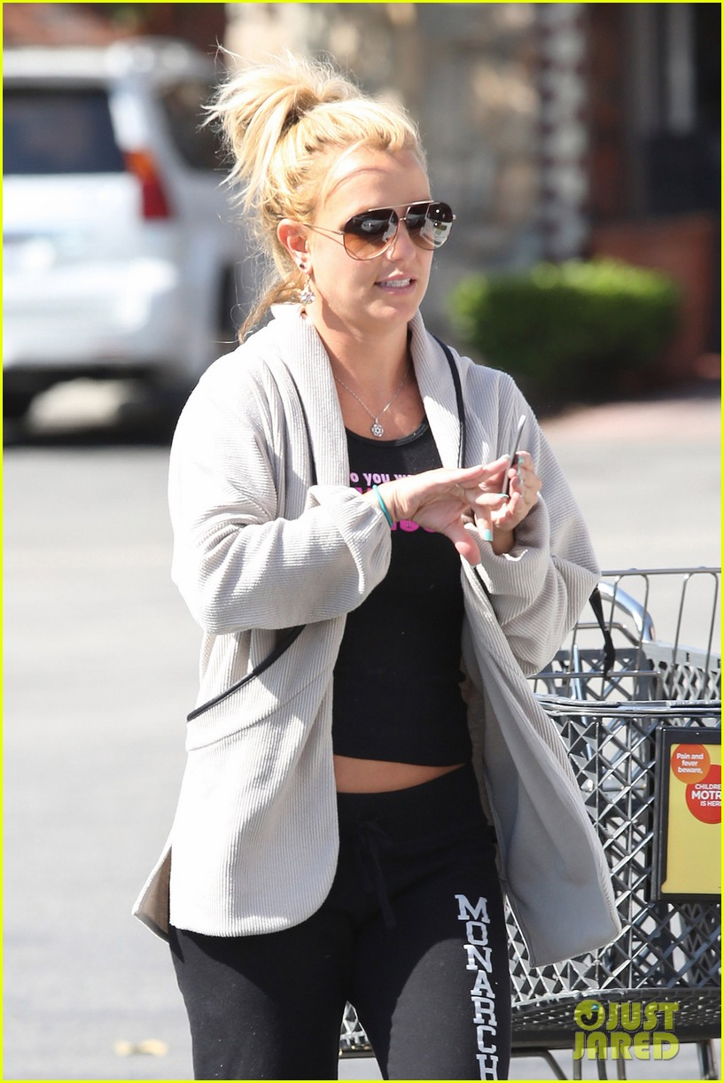 britney spears david lucado breakfast shopping duo 02