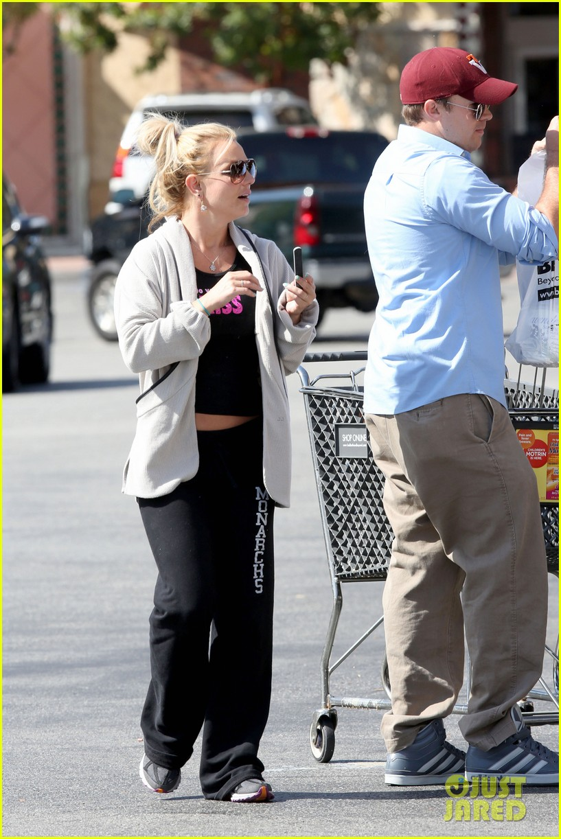 britney spears david lucado breakfast shopping duo 032858057