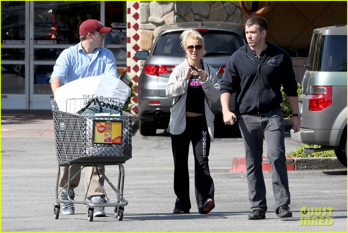 britney spears david lucado breakfast shopping duo 08