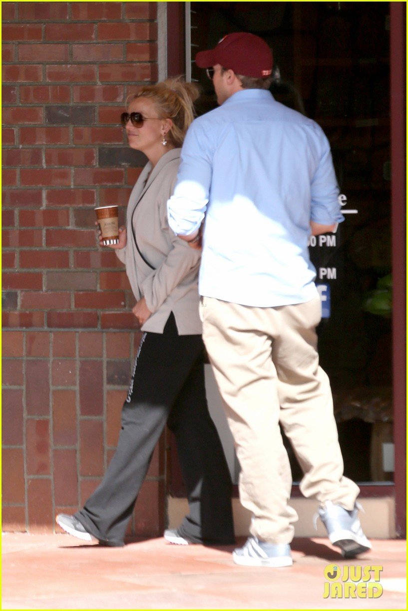 britney spears david lucado breakfast shopping duo 182858072