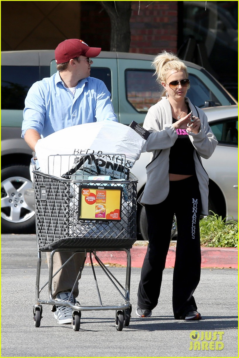 britney spears david lucado breakfast shopping duo 19