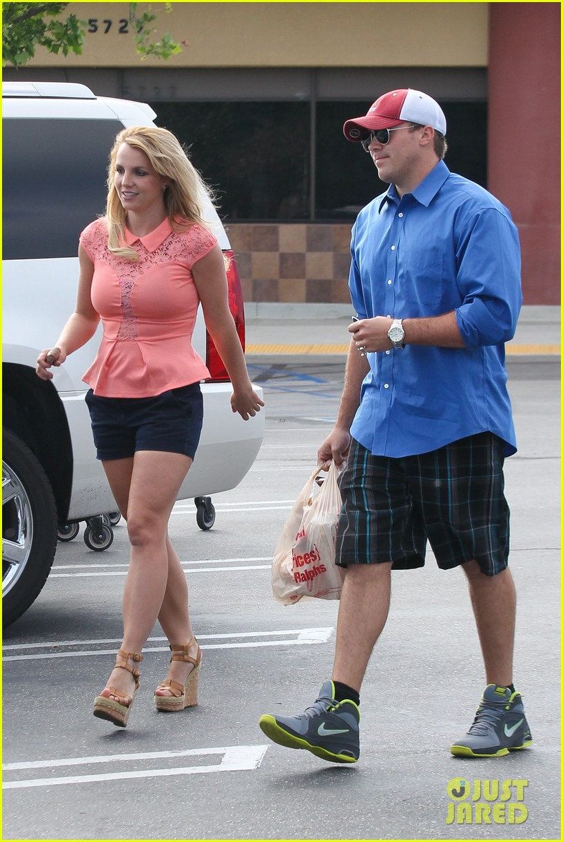 britney spears david lucado saturday ralphs run 03