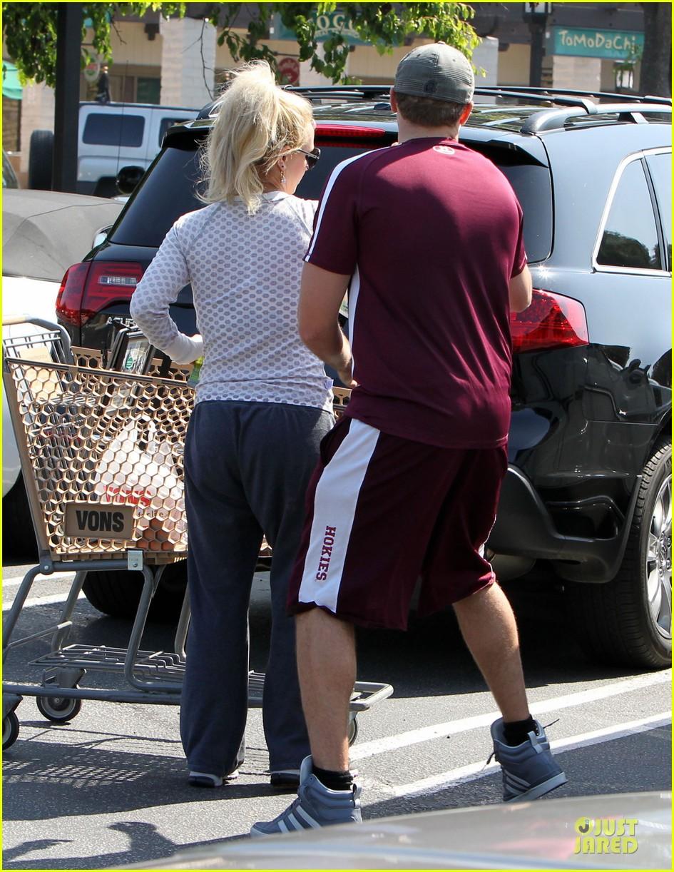 britney spears vons grocery shopping 23