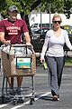 britney spears vons grocery shopping 01