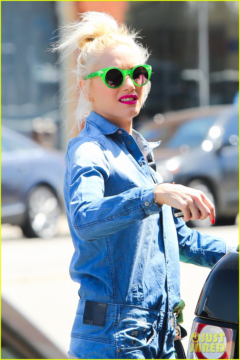 gwen stefani denim day with kingston zuma 022856425