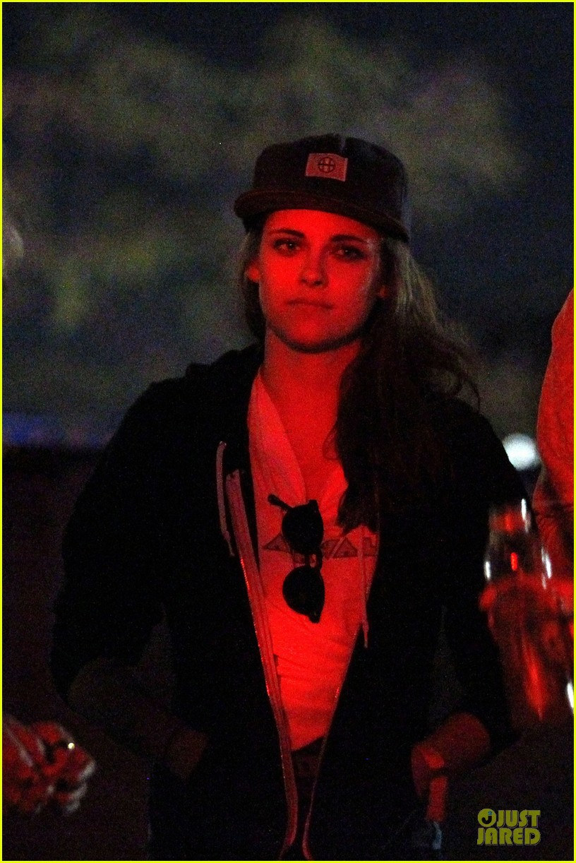 kristen stewart robert pattinson coachella with katy perry 04